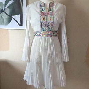 Dresses & Skirts - White Pleated Dress
